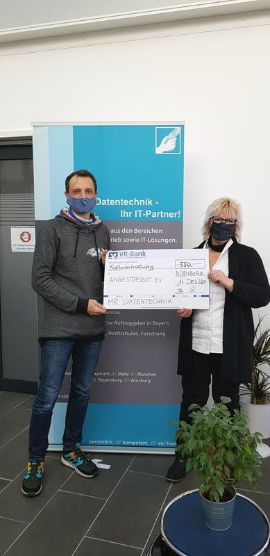 Spendenübergabe bei Angestöpselt Würzburg