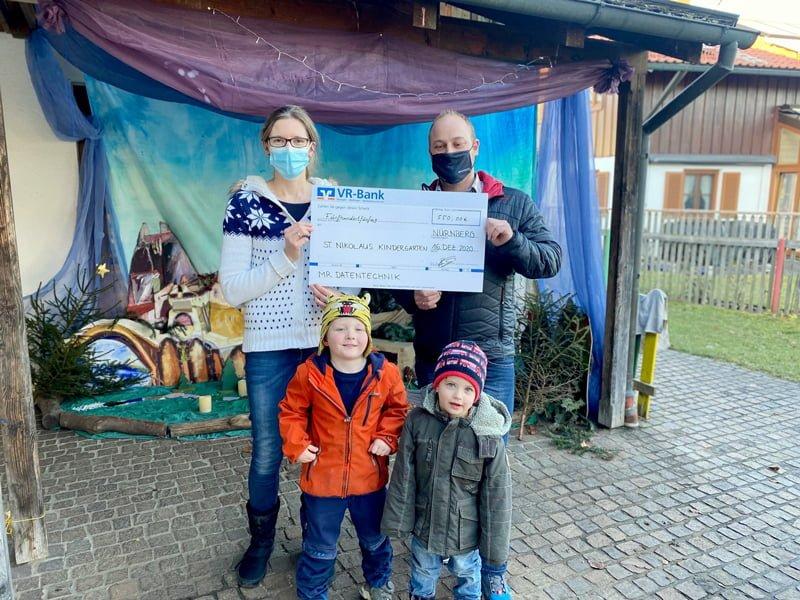 Spendenübergabe St Nikolaus Kindergarten