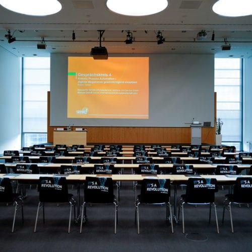 Unternehmerkongress 2020 leerer Vortragsraum