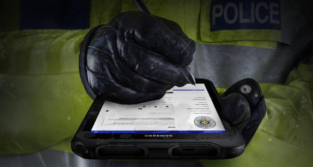 Samsung Galaxy Tab Active 2 in rauer Umgebung im Einsatz