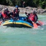 Teilnehmende beim Rafting